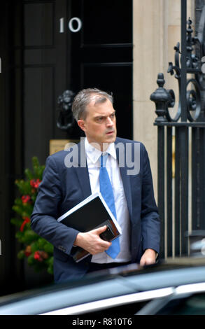 Julian Smith MP (Conservative Chief Whip) leaving Downing Street, London, UK, after a cabinet meeting December 2018 - Stock Photo