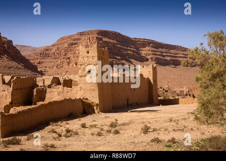 Morocco, Ziz River Gorge, Guers Tiallaline, ancient Kasbah remains - Stock Photo