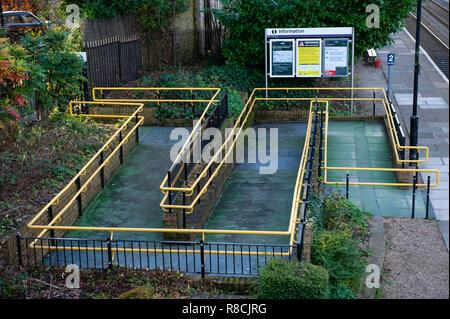 Disabled access ramp to Bradford on Avon railway station, - Stock Photo