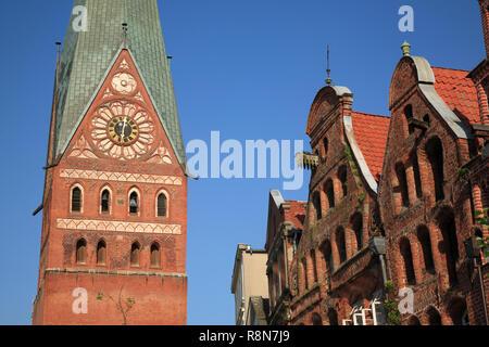 Square Am Sande, old houses,  and Johannis Church, Lüneburg, Lueneburg, Lower Saxony, Germany, Europe - Stock Photo