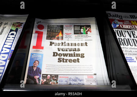 i newspaper headline on front page  'Parliament versus Downing Street' 3 December 2018 in London England UK - Stock Photo