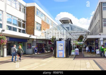 West Walk, Yate Shopping Centre, Kennedy Way, Yate, Gloucestershire, England, United Kingdom - Stock Photo