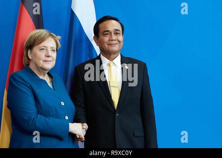 26.11.2018, Berlin - Bundeskanzlerin Angela Merkel und der thailaendische Ministerpraesident General Prayut Chan-o-cha. 00R181128D072CARO.JPG [MODEL R - Stock Photo
