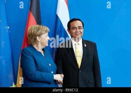 26.11.2018, Berlin - Bundeskanzlerin Angela Merkel und der thailaendische Ministerpraesident General Prayut Chan-o-cha. 00R181128D075CARO.JPG [MODEL R - Stock Photo
