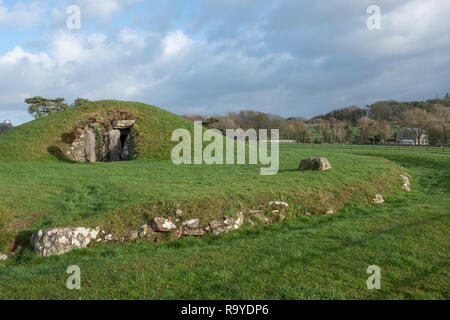 Bryn Celli Ddu prehistoric chambered tomb, Anglesey, Wales - Stock Photo