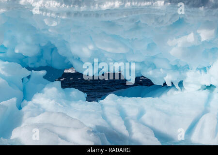 Antarctica, Antarctic peninsula, Gerlach Straight, Wilhelmina Bay in the Enterprise Island area. - Stock Photo