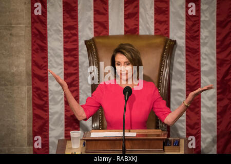 Washington DC, USA. 3rd January, 2019. Washington DC, January 3, 2019, USA: Nancy Pelosi, D-CA, addresses the 116th Congress after she becomes the Speaker of the House for the second time. Credit: Patsy Lynch/Alamy Live News - Stock Photo