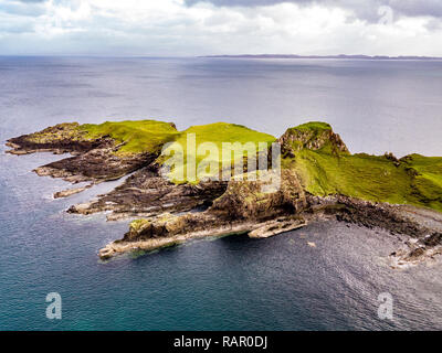 Aerial view of the Dinosaur bay with the rare Dinosaur footprint of the sauropod-dominated tracksite from Rubha nam Brathairean, Brothers Point - Isle - Stock Photo