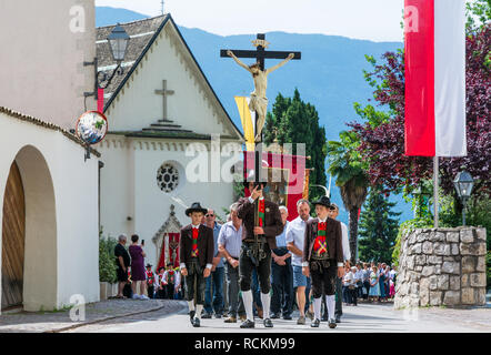 Corpus Christi cerimonial procession in Kurtatsch an der Weinstraße, Adige Valley, South Tyrol, northern Italy. Corpus Christi day - Stock Photo