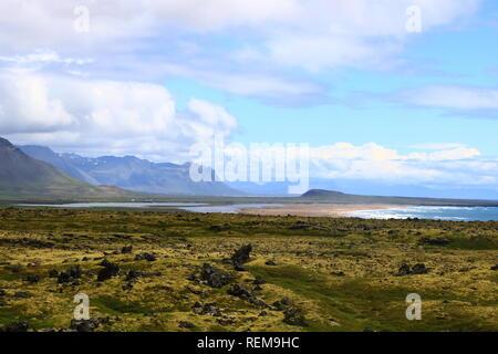 Isländische Landschaft mit Bergen, Moos und Lava in den Westfjords - Stock Photo