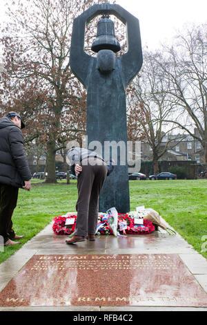 London ,UK. 25th January, 2019. Mayors from London and representatives from memorial groups lay wreaths and flowers at the Holocaust Memorial Tree and Soviet War Memorial outside the Imperial War Museum in London. Credit : George Cracknell Wright/Alamy Live News - Stock Photo