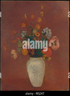 Bouquet in a Chinese Vase. Artist: Odilon Redon (French, Bordeaux 1840-1916 Paris). Dimensions: 25 1/2 x 19 5/8 in. (64.8 x 49.8 cm). Date: ca. 1912-14.    Redon owned a variety of vases, which his wife, Camille, used in arranging the bouquets that formed the subject of his late still-life paintings. The delicately patterned white vessel depicted in this work appears in several other pictures, including The Met's <i>Vase of Flowers (Pink Background) </i> of about 1906 (59.16.3). Museum: Metropolitan Museum of Art, New York, USA. - Stock Photo