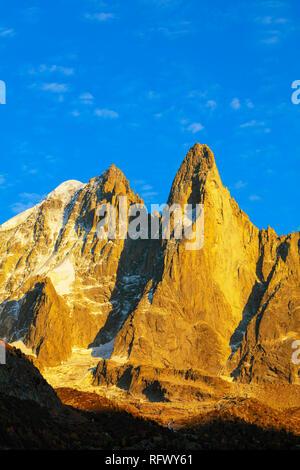 Aiguille Verte, 4122m, and Les Drus (Aiguille du Dru) 3754m, Chamonix, Haute Savoie, French Alps, France, Europe - Stock Photo