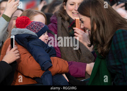The Duchess of Cambridge, who is known as the Duchess of Strathearn in Scotland, meets with members of the public on the waterfront during a visit to officially open the V&A Dundee, Scotland's first design museum. - Stock Photo