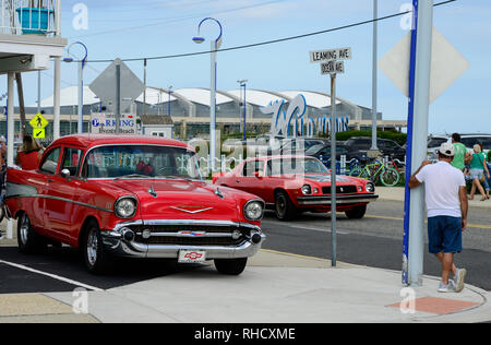 USA, New Jersey, Wildwood, parade of classic cars, GM General Motors Chevrolet Bel Air at parking place of Motel Rusmar at Ocean Ave, could be in Havanna Cuba too - Stock Photo