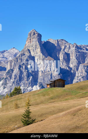 View across the upland grazings of Pralongia to Sassongher above Corvara, Dolomites, South Tyrol, Italy. - Stock Photo