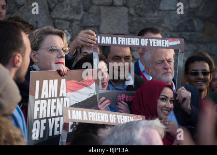 Eddie Izzard (L), Actor, Comedian and Writer, Stephen Twigg MP (C), Member of the United Kingdom Parliament for Liverpool West Derby, and Rt. Hon. Jer - Stock Photo