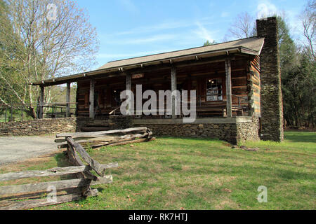 The Cable Mill Visitors Center, seen here, provides valuable information on Cades Cove in Great Smokey Mountains National Park, Tennessee - Stock Photo