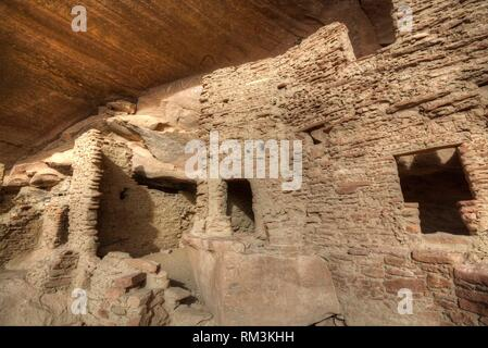 River House Ruin, Ancestral Puebloan Cliff Dwelling, 900-1300 AD, Shash Jaa National Monument, Utah, USA - Stock Photo