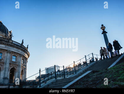 Berlin, Germany, 16th February 2019. Berliners are enjoying a glorious Spring-like weekend in the middle of February - normally the second coldest month of the year. The parks were crowded with people  enjoying the blue skies, sunshine and unseasonal warmer weather. Credit: Eden Breitz/Alamy Live News - Stock Photo