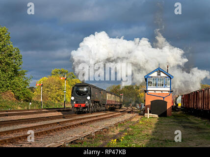WC-Class Pacific steam locomotive No. 34092 City of Wells passing Swithland Sidings signal box en route from Loughborough to Leicester on the Great Ce - Stock Photo