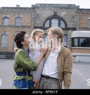 EIN FALL FÜR ZWEI / Fasolds Traum BRD 1986 / BARBARA FENNER, RICARDA HANISCH, MANFRED ZAPATKA, Folge: 'Fasolds Traum', # / Überschrift: EIN FALL FÜR ZWEI / BRD 1986 - Stock Photo
