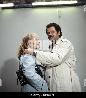 EIN FALL FÜR ZWEI / Tatzeit / BRD 1987 / Michael Mackenroth / ANGELIKA BENDER, GUNTER BERGER, Folge: 'Tatzeit', 1987. 33089 / Überschrift: EIN FALL FÜR ZWEI / BRD 1987 - Stock Photo