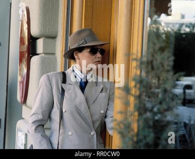 EIN FALL FüR ZWEI / Kurz hinter Ankara / D 1988 / Frau Reimers (PIA HÄNGGI) - Folge: Kurz hinter Ankara / Überschrift: EIN FALL FüR ZWEI / D 1988 - Stock Photo