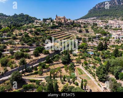 Spain, Baleares, Mallorca, Valldemossa, Parish Church Sant Baromeu and Cartuja de Valldemosa - Stock Photo
