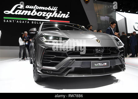 Genf, Switzerland. 05th Mar, 2019. The Lamborghini Urus is presented at the Geneva Motor Show on the first press day. The 89th Geneva Motor Show starts on 7 March and lasts until 17 March. Credit: Uli Deck/dpa/Alamy Live News - Stock Photo