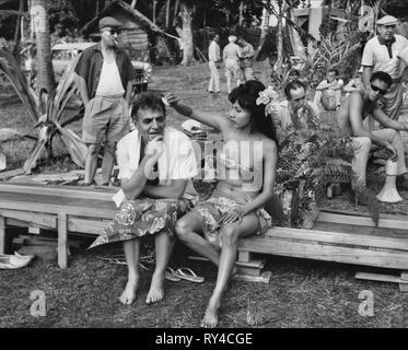 JAMES MASON,ROSENDA MONTEROS ON SET, TIARA TAHITI, 1962 - Stock Photo