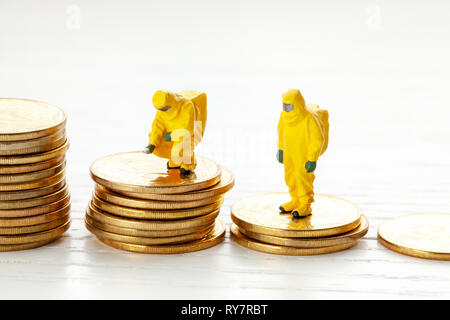 Bankruptcy. Reduced return on investment. Analysts investigate the loss of money. - Stock Photo