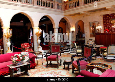 interior of John and Mable Ringling mansion. Ca' d'Zan, a Venetian Gothic residence in Sarasota, Florida, was the winter home of the American circus owner, developer and art collector John Ringling and his wife Mable. Lovers of the Venetian aesthetic, the Ringlings chose the site overlooking Sarasota Bay for its vista, which reminded them of the lagoon of their favorite city. The name of the residence is Venetian for House of John. The Ringlings had been renting the residence of Mary Louise and Charles N. Thompson on their extensive Shell Beach parcel, and decided to purchase some of the land  - Stock Photo