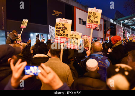 Finsbury Park, London, UK. 15th March 2019. A vigil is held in Finsbury Park by people of many faiths for the victims of the mosque shootings in New Zealand. Credit: Matthew Chattle/Alamy Live News - Stock Photo