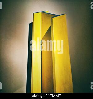 A single yellow girder at the Royal Academy of Art, London - Stock Photo