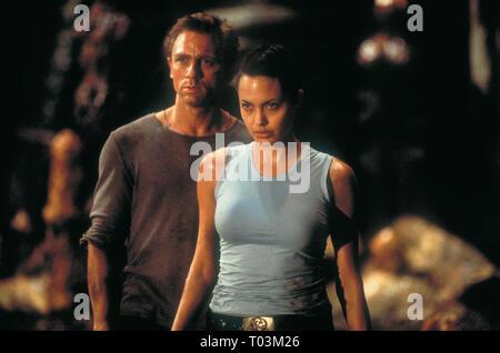 DANIEL CRAIG, ANGELINA JOLIE, LARA CROFT: TOMB RAIDER, 2001 - Stock Photo
