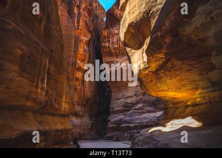 Th Siq, main entrance to Petra in Jordan - Stock Photo