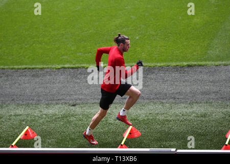 Cardiff, UK. 23rd Mar, 2019. Gareth Bale of Wales during the Wales football squad training at the Cardiff City Stadium in Cardiff, South Wales on Saturday 23rd March 2019. the team are preparing for their UEFA Euro 2020 quailfier against Slovakia tomorrow. pic by Andrew Orchard/Alamy Live News - Stock Photo