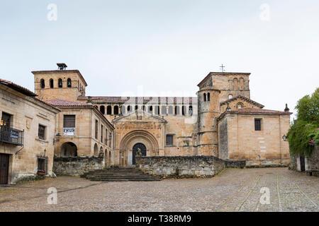 Santillana del Mar, Spain: Colegiata y Claustro de Santa Juliana church. The historic village is a popular stop on the Camino del Norte. This less-tra - Stock Photo