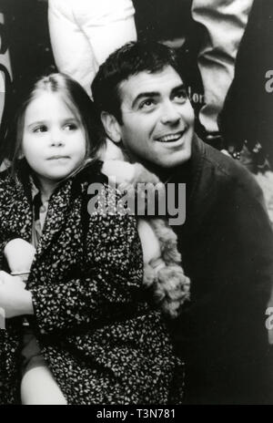 George Clooney and Mae Whitman in the movie One Fine Day, 1996 - Stock Photo