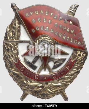 Ordre du Drapeau Rouge, badge modèle 1941, de fabr. 'Monetnij Dvor', no. 28801, diamètre 48 x 35mm, Additional-Rights-Clearance-Info-Not-Available - Stock Photo