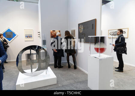 Paris, France. 3th April, 2019 Artwork exibited at Paris Art Fair, Paris, 2019, France. Credit: Veronique Phitoussi/Alamy Stock Photo - Stock Photo