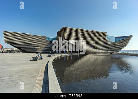V&A Dundee Scotlands Design Museum on Riverside Esplanade Dundee Scotland UK looking towards entrance - Stock Photo
