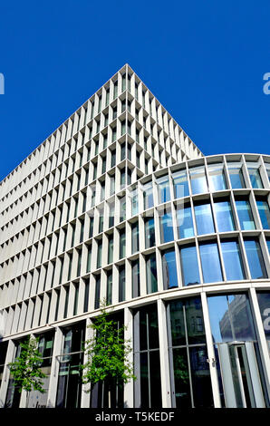 London, England, UK. One New Ludgate building at 60 Ludgate Hill, in the City of London. Houses the London branch of the Commonwealth Bank (2015: Flet - Stock Photo