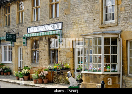 Around the Cotswold town of Stow-on-the-wold Gloucestershire UK The Organic shop - Stock Photo