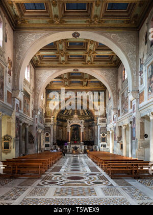 Rome. Italy. Interior view of Basilica di Santa Prassede all'Esquilino, (St Praxedes), 9th century. - Stock Photo