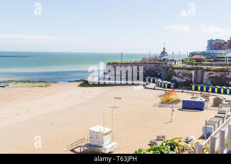 Broadstairs Kent. UK. A view of viking Bay with beach huts and lifeguard station on the beach. - Stock Photo