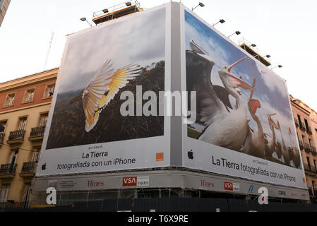 Madrid, Madrid, Spain. 2nd May, 2019. An advertisement for an Iphone seen on a building at Preciados street in Madrid. Credit: John Milner/SOPA Images/ZUMA Wire/Alamy Live News - Stock Photo