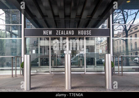 New Zealand House entrance on Haymarket, London - Stock Photo