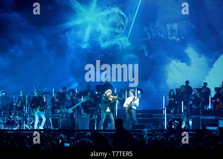 Berlin, Germany. 07th May, 2019. 08.05.2019, star violinist David Garrett live on his crossover tour UNLIMITED - GREATEST HITS at the Mercedes-Benz Arena in Berlin. | usage worldwide Credit: dpa/Alamy Live News - Stock Photo
